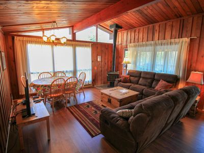 Photo for Spacious Water Front pet-friendly Cottage 4