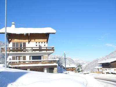 Photo for Spacious apartment within 5 minutes drive to slopes and lively center - Wifi