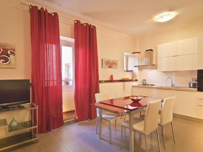 Photo for Zona Colosseo, Splendid apartment with 3 bedrooms