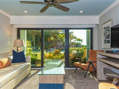 Beach Front Luxury Suite - Large heated pool - Short and Extended Stays Welcome!