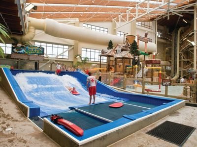 Photo for Wyndham Vacation Resorts Great Smokies Lodge - Sevierville - 2 Bedroom DeluxeCozy Club Wyndham Great Smokies Lodge, 2 Bedroom Deluxe Suite sleeps Eight, Enjoy Endless Outdoor Activities