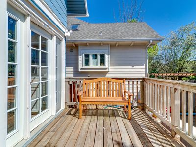 Photo for NEW LISTING! Bright family-friendly home w/full kitchen & deck-walk everywhere