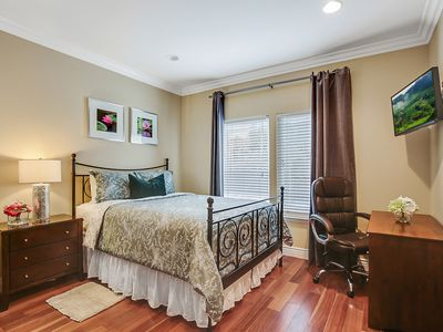 Photo for Kingfisher Room Gorgeous 1BR/1BA Mtn View
