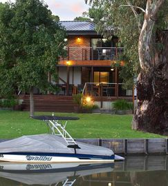 Waterfront Taj at BUNDALONG
