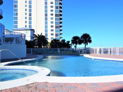Luxury 3 BR Waterfront Condo, Unbeatable Views and Amenities!