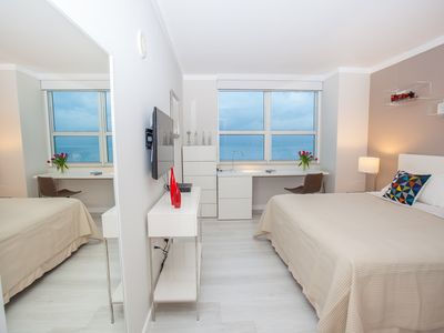 EXECUTIVE OCEANFRONT KING ROOM, SMART TV! FREE PARKING, GYM, POOL, PRIVATE WI-FI
