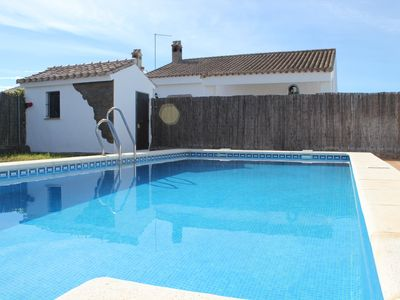 Photo for Rural villa with shared pool, Conil