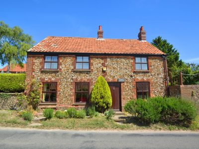 Photo for Vacation home Cobble in Hunstanton - 8 persons, 4 bedrooms