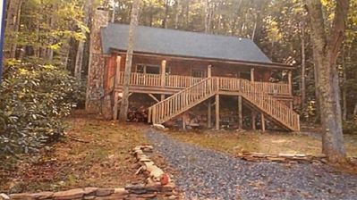 Photo for Beautiful Cozy log cabin. 5 mins to downtown Boone, Covered Porch
