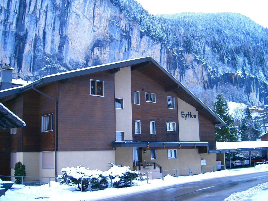 Apartment In The Heart Of Swiss Alps With Stunning Balcony Views Lauterbrunnen