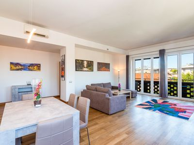Photo for Beautiful and spacious apartment in the center of Milan
