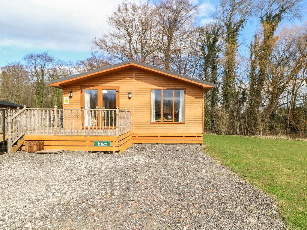 Log cabins with hot tubs richmond north yorkshire