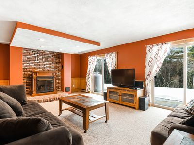 Photo for Cozy dog-friendly mountain condo with fireplace and free WiFi - close to skiing