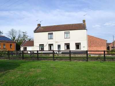 Photo for 3 bedroom accommodation in Foxley, near Fakenham