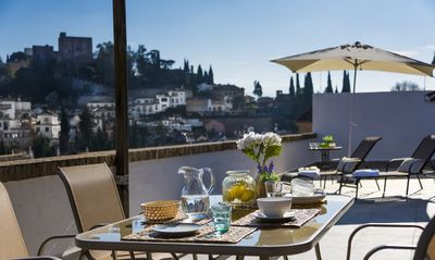 Photo for Fabulous Penthouse Prime location. 3 Bd & private Terrace & views to Alhambra. Ático Plaza Nueva