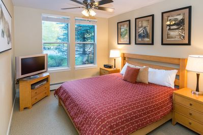 Master bedroom with brand new King mattress and HDTV