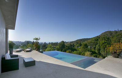 Photo for Hollywood Infinity View Villa - Hotel-Quality Villa w/Pool!