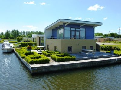 Photo for Holiday house for 6 persons with private dock at a marina park Lemmer