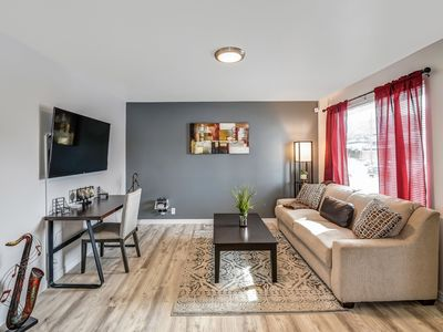 Photo for ♜ Stay Here ♜ Fast Wifi | 2 Queen Bed | Near Park