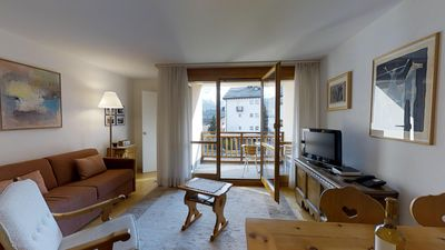 Photo for Sunny and quiet 2½-room apartment on the first floor, 64 m2, facing southwest.