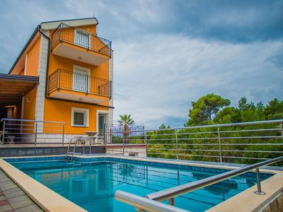 Photo for Nice apartment for 3 people with WIFI, pool, TV and parking