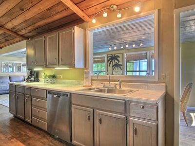 Photo for 4 Palms: Boardwalk to Beach, Ocean Breezes, 6 bedrooms, 2 kitchens, Spacious