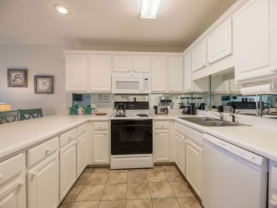 Photo for 2 min toes hit sand!❤ 4 Pools. Large kitchen. Coffee on the deck, anyone?