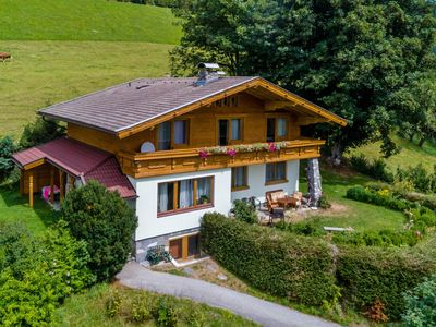 Photo for Large, detached chalet within a stone's throw from Zell am See and Kaprun
