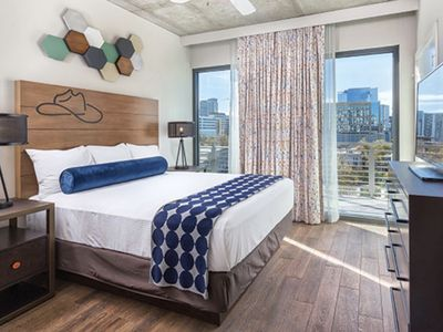 Photo for Walk to 6th St!  Wyndham 2 Bedroom Presidential ~ Sleeps 6 w/Rooftop Pool!