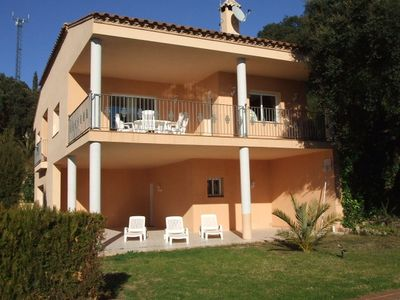 Photo for Large villa with private swimming pool, beautiful sea view, dogs welcome