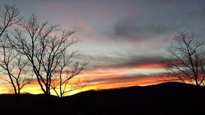 Photo for ASHEVILLE/ CLOSE TO DOWNTOWN & ATTRACTIONS/ MOUNTAIN VIEWS/ SUNSETS/ FIRE PIT