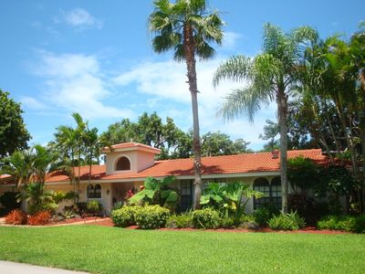 This beautiful upscale Boca Raton home can be your vacation paradise.
