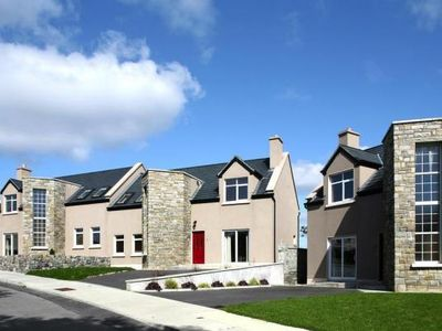 Photo for Semi-detached house, Carraroe  in Galway - 8 persons, 4 bedrooms