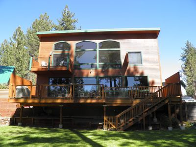 Photo for 716 Lakeview Luxury Home Close To Everything.  Private Hot Tub, Beach Access and Awesome Lakeview Deck