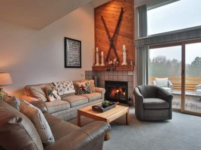 Lake Michigan, Nubs Nob, Boyne, Biking all Nearby. Trout Creek Condo #50 - 3 Bedroom Loft