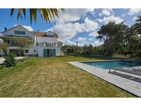 Excellant house, light and spacious inside and out, great pool.