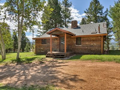 Photo for Woodland Park Cabin- Walkable to Parks, Dining, Shops! Clean and Cozy