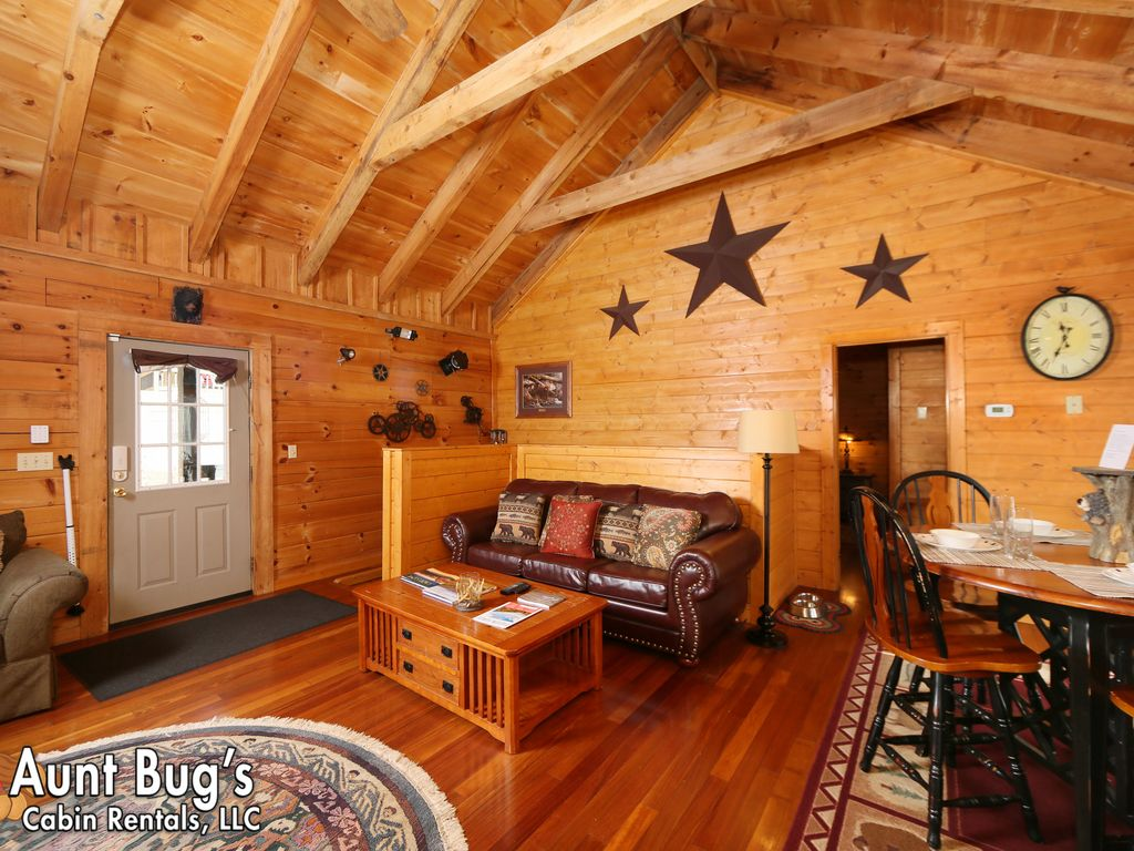 cabins image firepit cabin property close friendly pigeon to pet ha forge in w dollywood