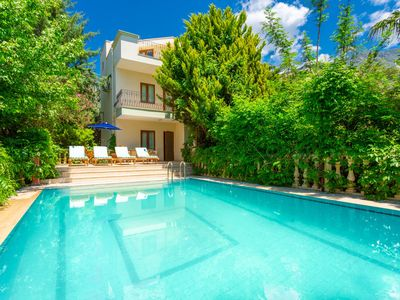 Villa Helisonia : Large Private Pool, Walk to Beach, Sea Views, A/C, WiFi, Car Not Required, Eco-Fri