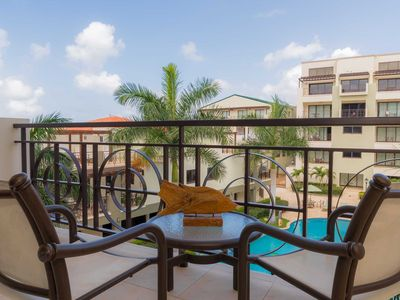 Photo for Tropical Elegance, Cozy Condo with Charming Pool Views