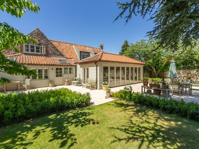 Photo for A beautiful, spacious and characterful detached property with private annexe