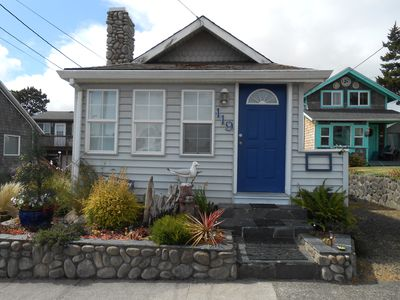 Photo for 2 bedroom/1 bath - Cute Cottage 1/2 block from the Beach