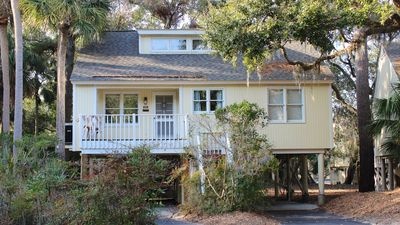 Photo for Family-Friendly 3BR Tarpon Pond Cottage! Amenity Cards! Close to Beach/Pools/Go