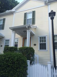 30 night Minimum Stay Heart of Historic downtown 232 2 bed 2 1/2 Bath