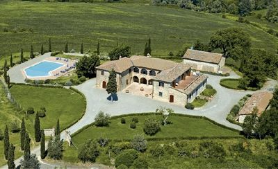 Photo for Upscale villa rental near Siena, Tuscany, large Tuscan villa for short term rental, Italian villa with pool