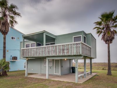 Photo for Oceanview elevated cottage w/ large deck, less than a minute from the beach!