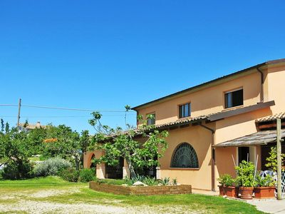 Photo for Beautiful apartment in villa for 2 guests with pool, WIFI, TV, pets allowed and parking