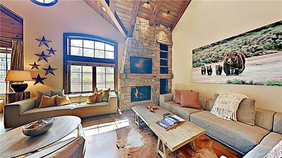 Photo for Large ski-in/ski-out condo with mountain views and shared pool and hot tub