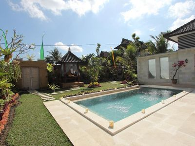 Photo for A stylish Villa with Pool & Kitchen and greenery garden