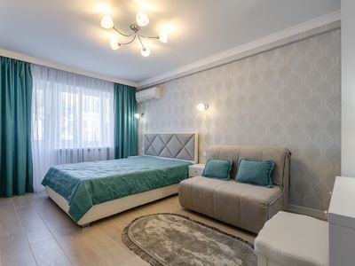 Photo for Cozy, comfortable apartment in the center of Kiev, 2 minutes from the metro.